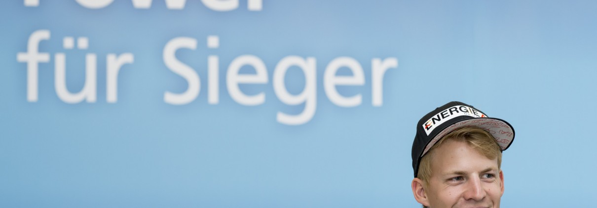 2014-09-25 EnergieAG Autogrammstunde Michael Haybo¨ck_024